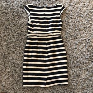 Banana Republic Dresses - Lovely Navy striped dress